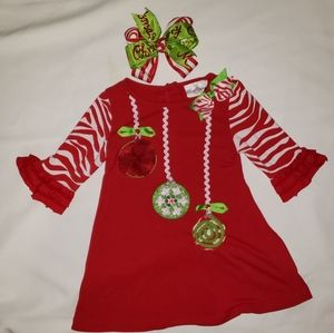 Christmas dress size 4 with bow
